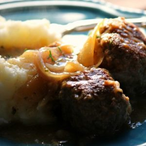 Home-style Meatballs and Gravy